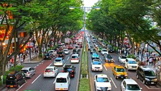高速道路の渋滞は一般道や下道を使って回避すべき?原因によっては迂回した方が早い場合も