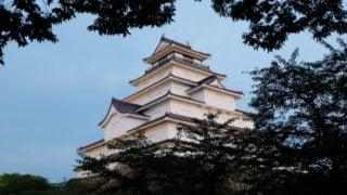 鶴ヶ城の紅葉見頃時期とライトアップやおすすめスポットはどこ?