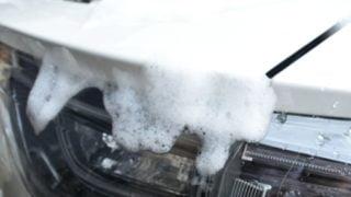 車の洗車は雨の日がおすすめ!割引や拭き取り不要が決め手?!